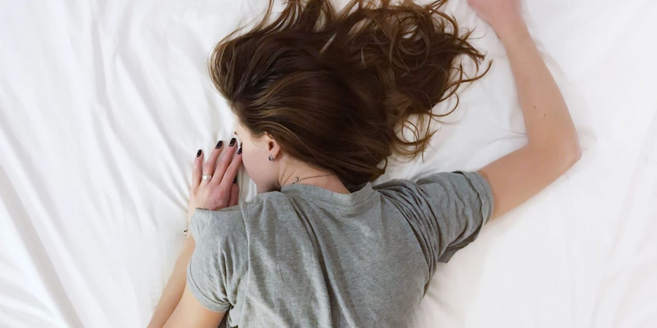 Not sleeping? 4 tricks to implement today to sleep better tonight