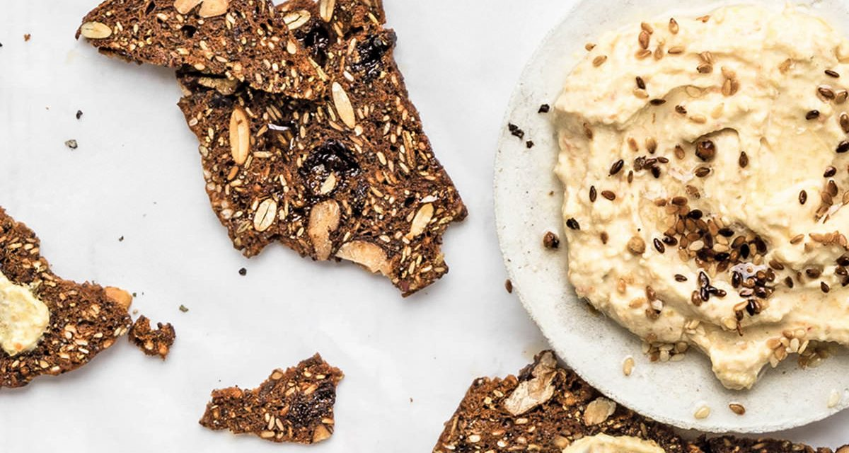 Prebiotic Flax Seed Crackers with COYO Yoghurt & Kim Chi Dip